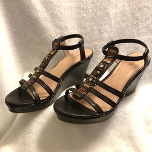 Bass Wedge Sandals • Brown Leather • Size 8.5